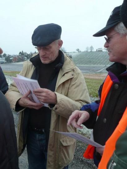 Mitorganisator Felix mit kritischem Beobachter Walti