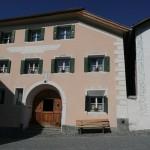 Wunderschöne Engadiner Häuser in Guarda